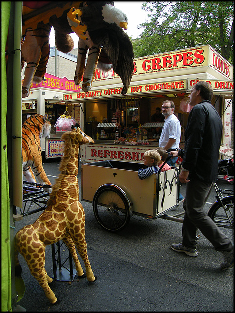 giraffe and crepes