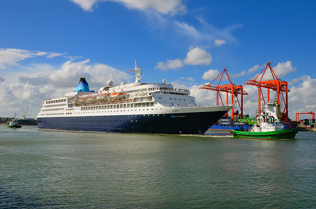 SAGA SAPPHIRE sailing from Dublin