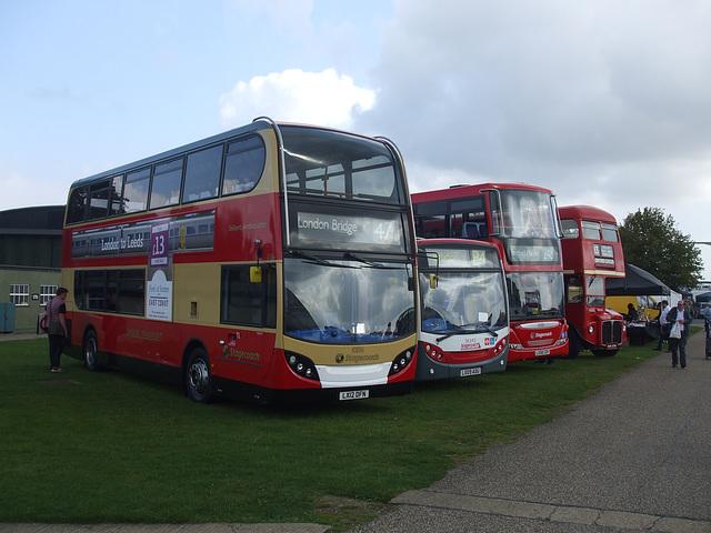 DSCF6061 Stagecoach London line up