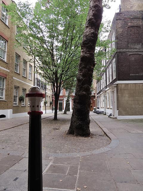 wardrobe place, london