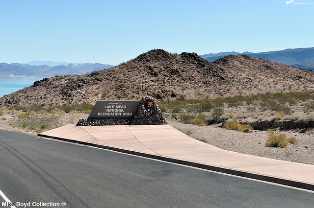 NV us93 scenery sb lake mead sign boulder city 07'14