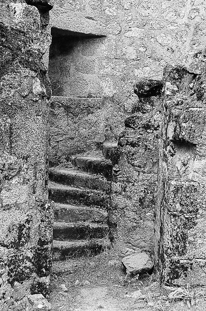 Piégut castle stairs