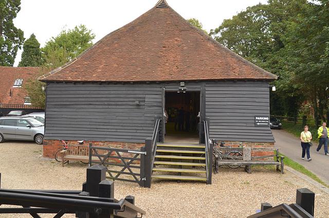DSC 2313 The Great Barn, Wanborough