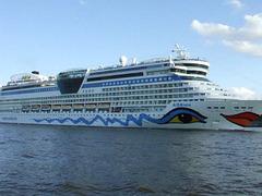 Abfahrt AIDAluna aus Hamburg am 25. August 2014