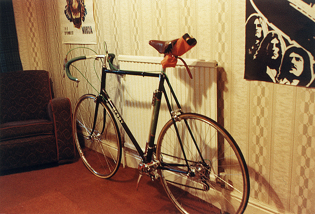 Original build, spring 1972. Note: Universal 68 brakes; Campag bar end shifters