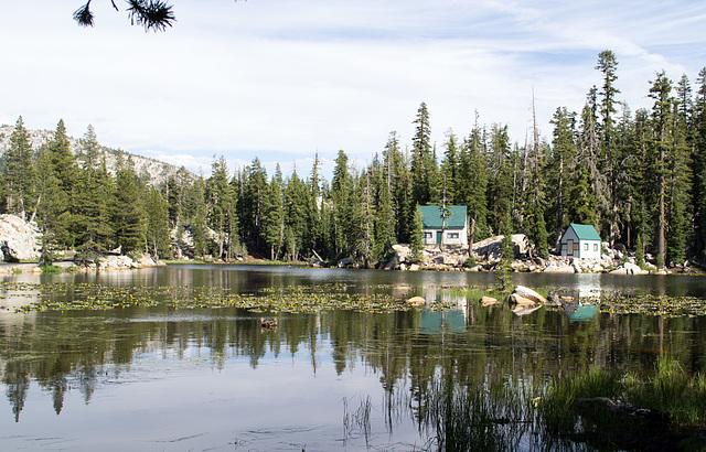 Sierras Mosquito Lake (0311)