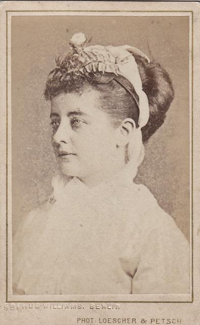 Pauline Lucca by Loescher & Petsch (2)