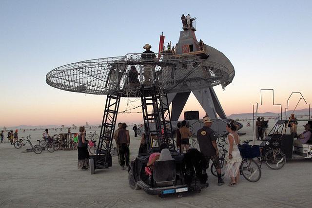 Alien Siege Machine (0523)