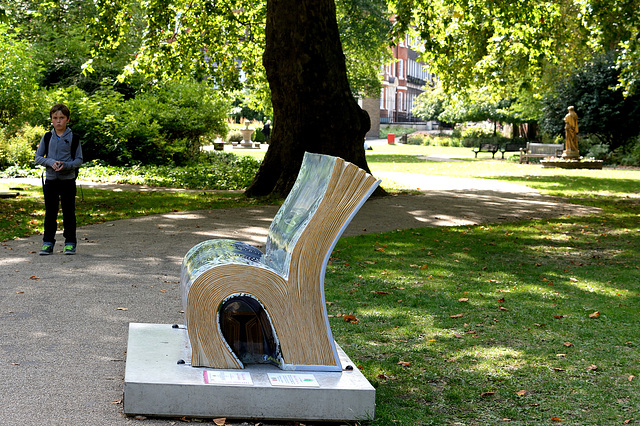 BookBench sculpture:  The Lion, the Witch, and the Wardrobe