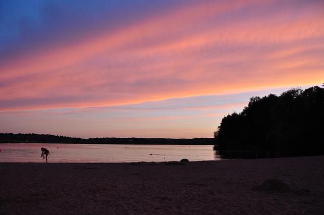 Sonnenuntergang am Ängbystrand, Mälarsee in Schwed