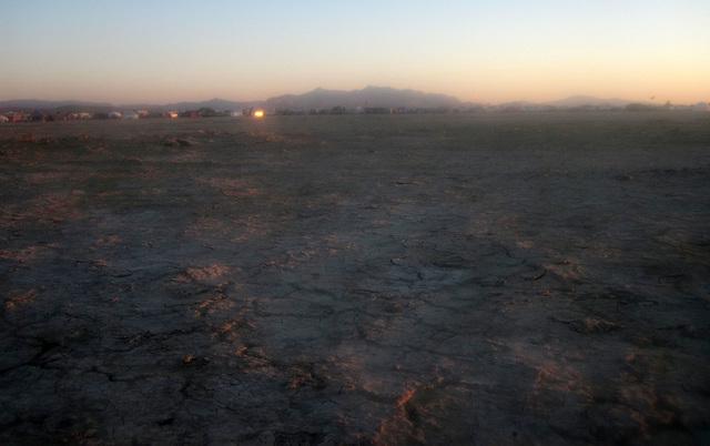 Walk-In Camping At Sunrise (6166)