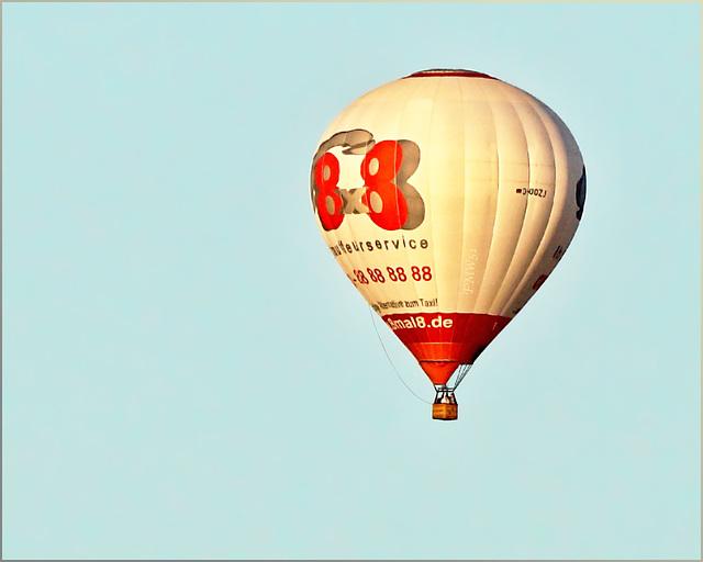 Ballon 8x8