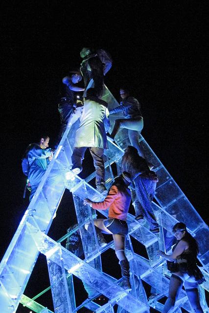 Lucite Pyramid (0428)