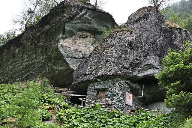 Schutzhütte im Umbaltal