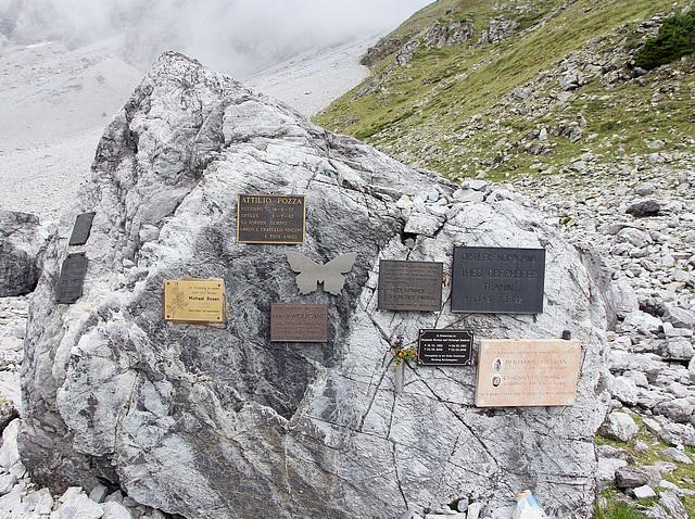 Schicksale an der Ortler Nordwand - Gedanktafeln erinnern an die Verunglückten