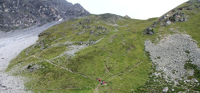 Blick hoch zur Tabaretahütte (2556 m)