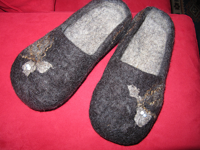 flted slippers - black