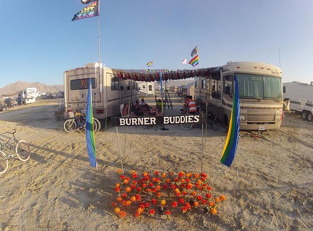 Burner Buddies Front Yard (0053)