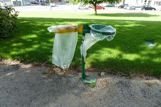 Caen 2014 – Skimpy bins