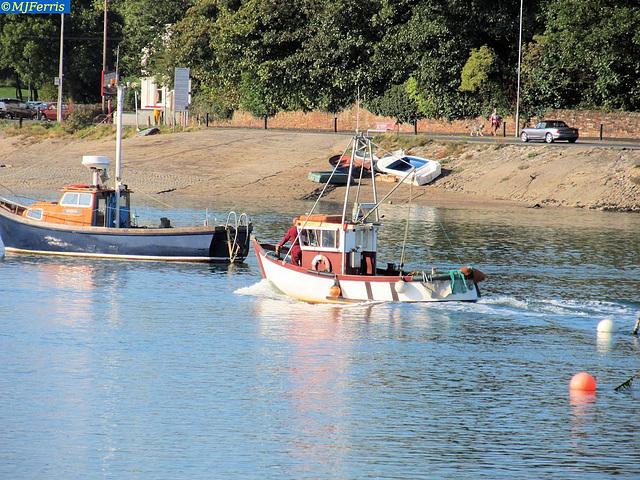 003 motor boat