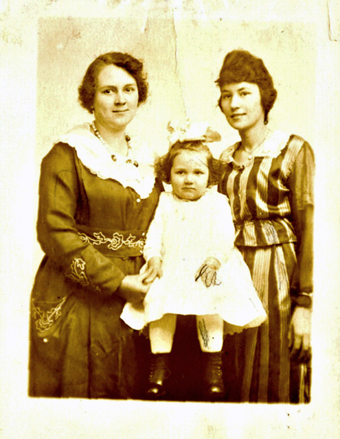 Aunt Bell, Dorothy and Mom (Neva)