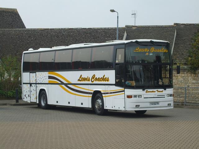 DSCF5930 Lewis Coaches YJI 5729