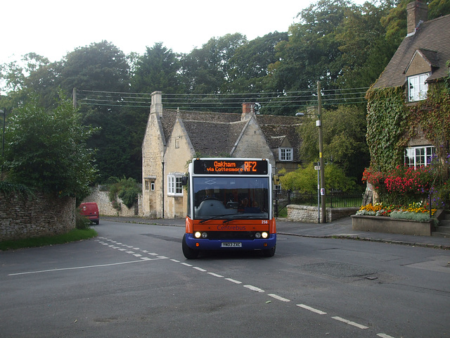 DSCF5891 Centrebus YN03 ZXC