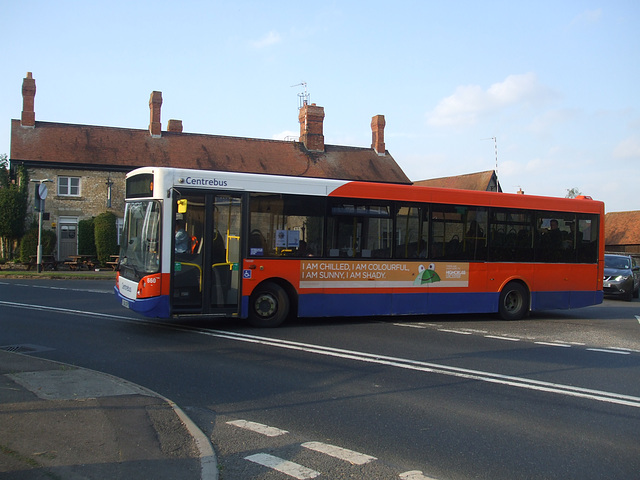 DSCF5854 Centrebus 660 (YJ60 GFE) at Empingham - 9 Sep 2014