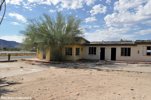 AZ joshua motel complex historic 66 yucca 07'14 02