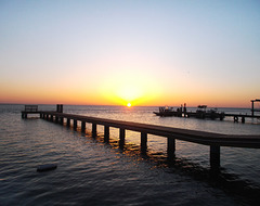 Islander sunset / Coucher de soleil insulaire.