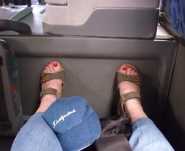 Christiane /L'indépendante - Vaut mieux bien se caler dans les bus .........
