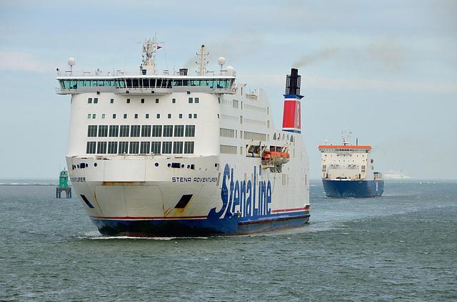 Ships entering Dublin