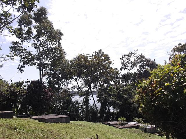 Cimetière insulaire / Islander cemetery.