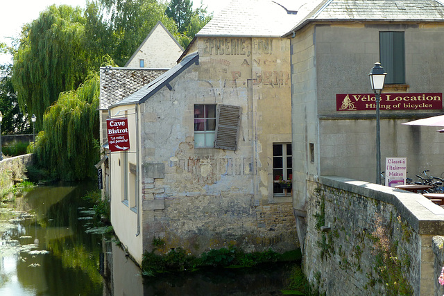 Bayeux 2014 – Old faded wall ad