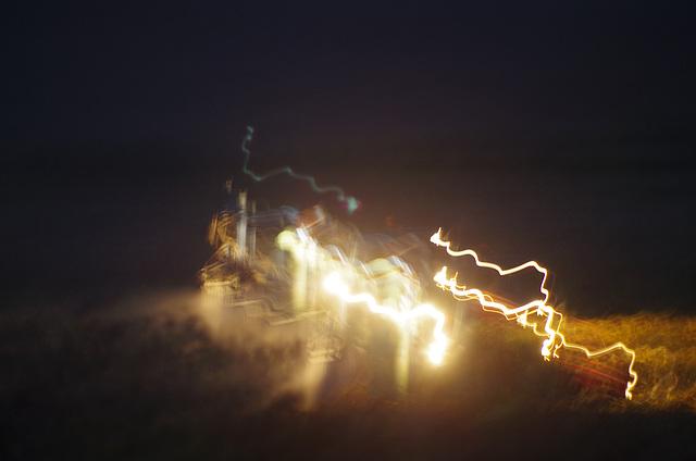 au départ, je voulais photographier ... une moissonneuse batteuse de nuit, et voilà....