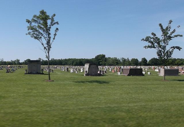 Inclinaison funéraire redressée/ Ajusted funerary tilt.