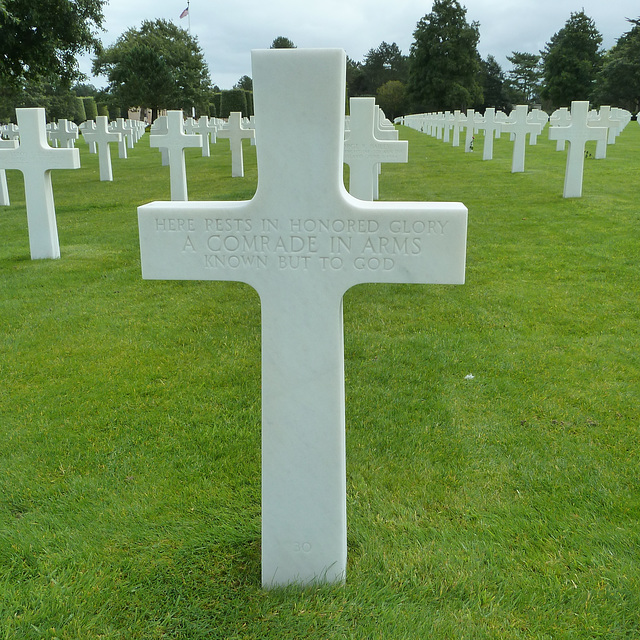 Omaha Beach 2014 – Normandy American Cemetery and Memorial at Colleville-sur-Mer – Here rests in honored glory a comrade in arms, known but to God.