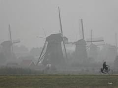 ...vorbei an den anderen Windmühlen.