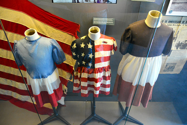 Utah Beach museum 2014 – Dresses worn during the first remembrance ceremony of the D-Day landings in 1945