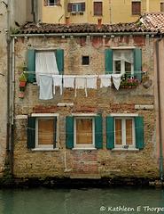 Venice - Calle Giustina-Renier Michieli wash day -  060114-007