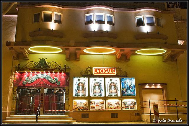 Cavallion Kinoeingang