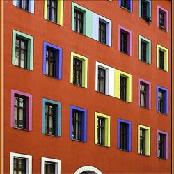 Berlin Kreuzberg. Zossener Straße. Das bunte Haus. 201406