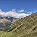 Blick hinab auf die Upialm und ins Tal