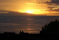 Santa Cruz de La Palma. Sonnenaufgang drüben hinter Teneriffa. ©UdoSm