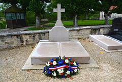 Colombey-les-Deux-Églises 2014 – Grave of General De Gaulle