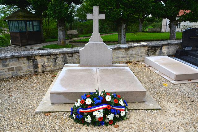 ipernity: Colombey-les-Deux-Églises 2014 – Grave of General
