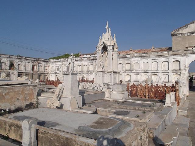 Cuba funéraire / Funerary Cuba.