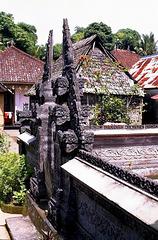 Bali,  Penglipuran, Hauseingang. ©UdoSm