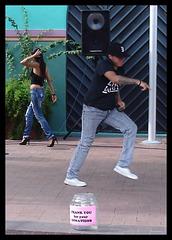 Bud Light Spanish girl in high heels - Recadrage
