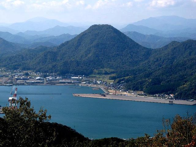 La monto TATEBU en la urbo MAIDZURU